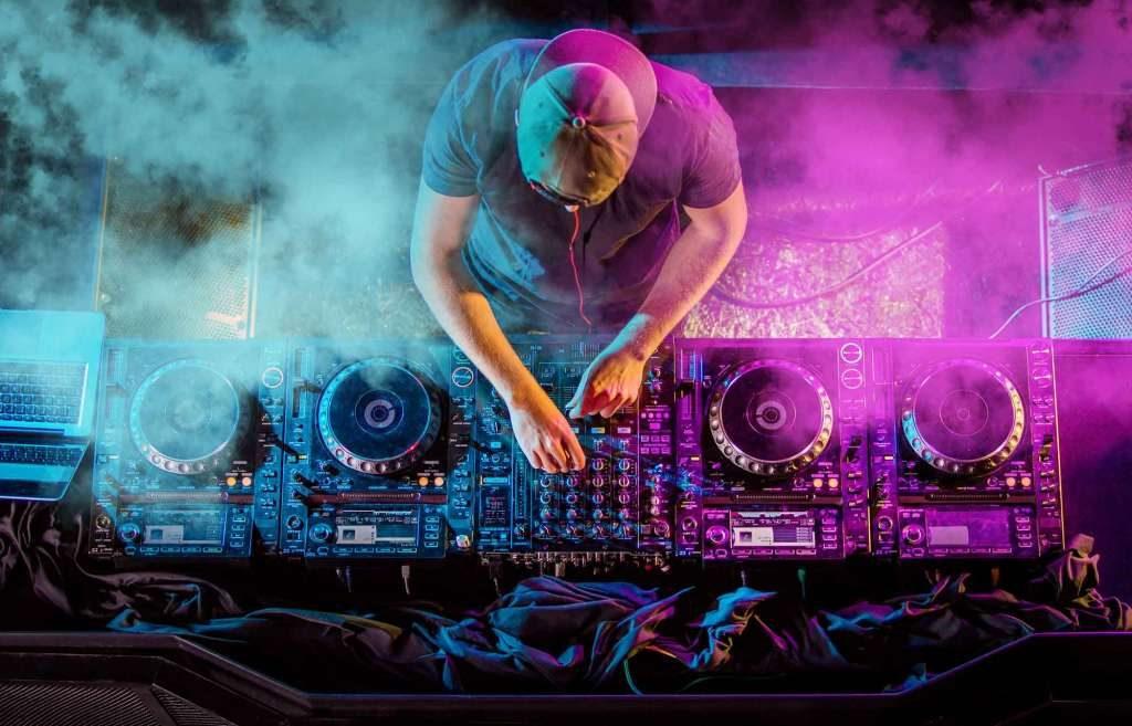 DJ PERFORMANCE BENDORM FIESTAS 2020